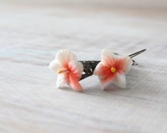 Flower dangle romantic earrings in white pink