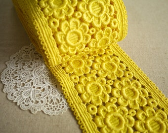Vintage Curry Yellow Floral Trim