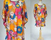 Vintage 60s Wizard Sleeve Floral Dress
