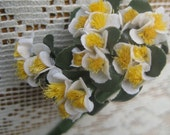 Fabric Millinery Flowers From Austria 18 Tiny White Buds On 6 Stems Flowers A-18