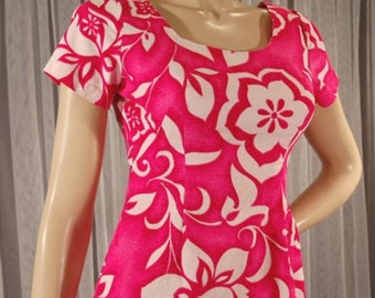 Vintage 70s Hawaiian Pink Maxi Dress Size Small b36