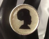 Natural Hair Afro Puff Cameo Ring On White Glitter