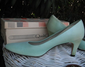 1980s Handlasted GREEN Round Toe Pumps/Heels SIZE 8  / Quality Craft