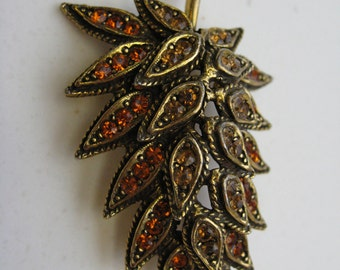 Lovely Leaf Shaped Brooch with Glass Stone Accents