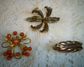 Vintage 1950s Jewelry Lot Brooches Scarf Pin Atomic Age Swirled Loops Apricot Cabochons Brooch Spanish Fern Brooch Gold Tone Leaf Scarf Pin