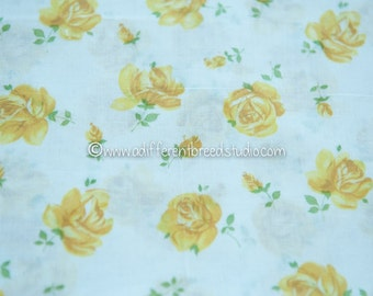 Golden Roses - Vintage Fabric New Old Stock 50s 36 in wide Lawn Shabby Chic