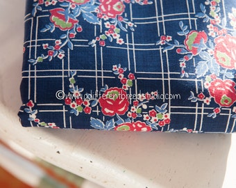 Stunning Garden Bouquets  - Vintage Fabric 35 inches wide 40s 50s New Old Stock