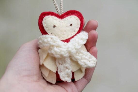 Ruby Felt Owl Ornament with Winter Scarf // Woodland Christmas Ornament // Handmade by OrdinaryMommy on Etsy