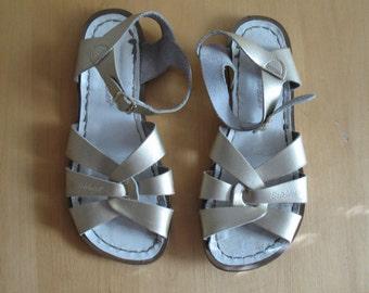 GOLD SALTWATER sandals, 7 - 7.5