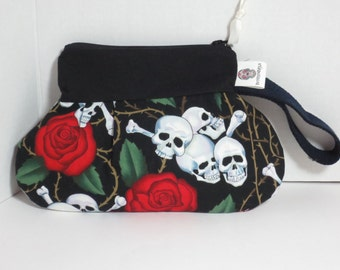 Skulls and Roses Wristlet - Skull Clutch - Skull Rose Clutch - Skull Rose wristle - Skulls and Roses