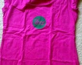 Ladies Large Pink Scoopneck Love t-shirt (green applique)