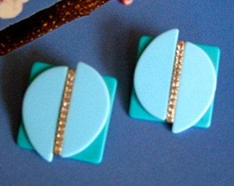Robin's Egg BLUE VINTAGE Pierced EARRINGS, acrylic earrings, turquoise blue, pierced earrings, Spring jewelry, vintage earrings, rhinestones