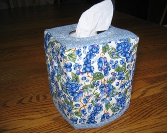 Quilted Tissue Cover in Blueberries on White
