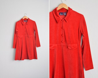 vintage '90s RED VELVETEEN long sleeve SHIRTDRESS. size m l.