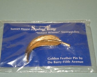 Golden Feather Pin by Du Barry Fifth Avenue Sweepstakes winner brooch Pristine