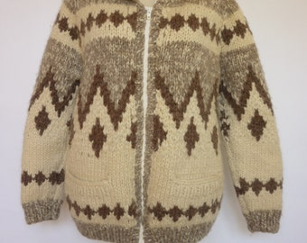Vintage COWICHAN Hand Knit Sweater / Jac Canadian White Buffalo Yarn