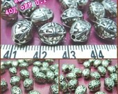sales -40% / S204MZ / 60Pc / 300Pc / 10 x 7 x 7 mm - Antiqued Silver Metalized Plastic Rugby Ball shape with Motif Bead
