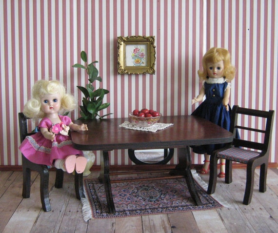 RESERVED - VTG RICHWOOD -  Duncan Phyfe Style Table and Chairs -  For 8 to 10 Inch Dolls