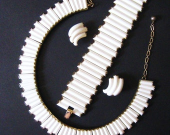 Vintage 50s White Trifari Syncopation Set, Signed Necklace, Bracelet & Earrings, Thermoset Parure, Mid Century 1957-58 Advertised Collection