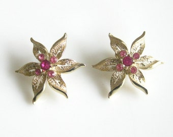 Vintage Sarah Coventry Fashion Flower Earrings Signed SARAHCOV 1960's Clip Earrings