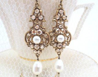 Champagne Bridal earrings, Wedding jewelry, Pearl Wedding earrings, Vintage style earrings, Swarovski Earrings, Antique gold earrings