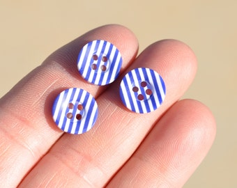 20 Blue and White Striped Plastic Buttons  BN107