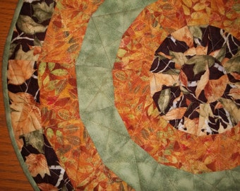 Autumn Fall Leaf Quilted Table Topper