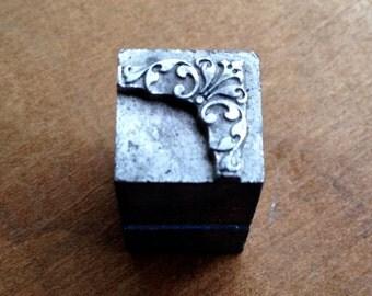 Antique Metal PRINTERS BLOCK - Ornate decorative design Corner piece