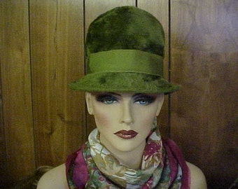 "Moss green velour cloche hat with matching green grosgrain band by ""Jacki"" made in Italy- fits 21-22 inches"