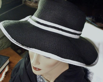 """Scala Handcrafted  Paper Braid  Hat  In Excellent Condition One Size 23"""" diam Wide Brim Hat in Black"""