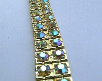 Stunning aurora borealis vintage bracelet with security clasp