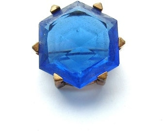 Large Vintage Sapphire Blue Faceted Glass Stone Brooch