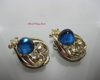 Vintage  Stylized Karu Arke Earrings  Domed Sapphire Blue Rhinestone Cabs 50s Beauties