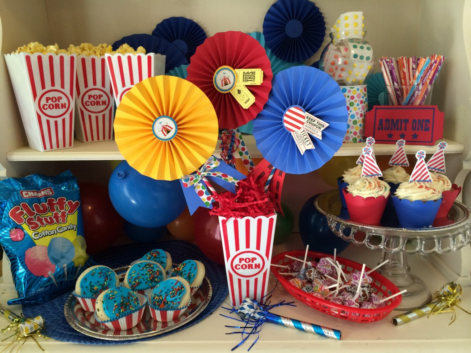 Circus Themed Table Decorations Part - 18: ?zoom