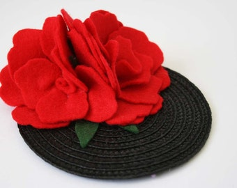 Red flowers fascinator - Vintage felt hair Accessory - felt hair accessory - Rockabilly hair flower - vintage wedding fascinator -retro hair