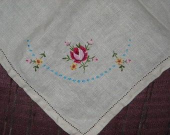 Pretty linen table scarf with embroidered rose