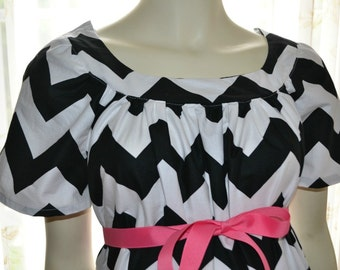 Maternity Hospital  Gown/Milk Breaks nursing feature is optional/Black Chevron Stripe on White