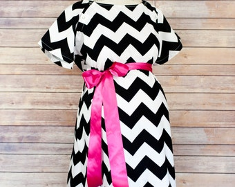 ON SALE 25% OFF- Black Chevron Labor and Delivery Gown - Perfect gift for baby showers, new moms, daughters, daughter in laws!  Super Soft
