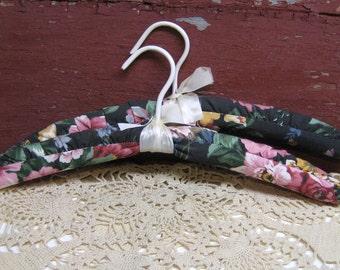 Padded Hanger Vintage Floral Closet Organizer