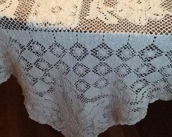 Gorgeous Vintage Lace Tablecloth