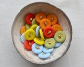 SALE - n.30 Vintage colored plastic round buttons from 60s