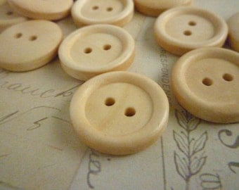 Three Quarter Inch Wooden Buttons Round - Light wood - Pack of 10