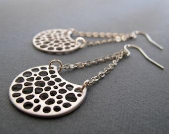 Silver Circle Chain Earrings, Modern Dangle Earring, Matte Rhodium Silver Earrings - MOON CRATERS