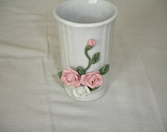 Vase Ceramic = PInk Rose Buds White = Vintage = Shabby Cottage