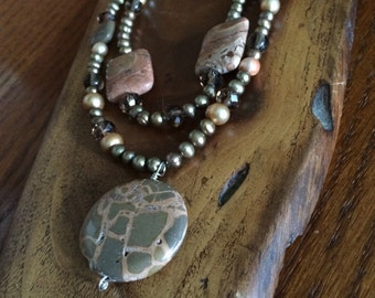 safari jasper and pearl necklace