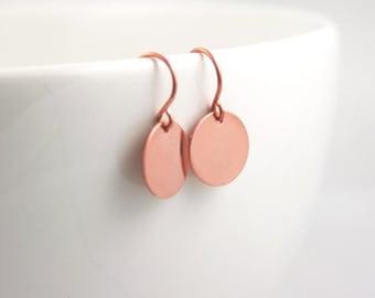 Copper Disc Earrings . Small Dangle Earrings . Minimalistic Jewelry . Copper Jewelry
