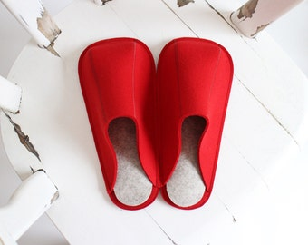 Eco-friendly Industrial Wool Felt Womens / Mens Slippers / Suede Soles / Size US 6.5 - 13 / Christmas Red