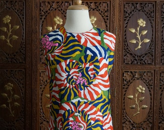 1970s French Patterned Hand Finished Sheath Dress