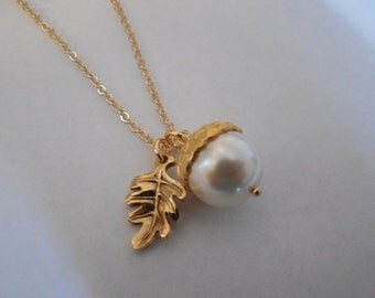 June Brithstone Necklace, Pearl Necklace, Gold Plated Necklace with Creamy Pearl Acorn Pendant, Bridesmaid Gift, Wedding Gift, Birthday Gift