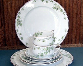 8 Pc. Rosenthal Selb Mistletoe China Serving Set Donavello Germany, Two Cups, Two Saucers, Two Dinner Plates, Two Dessert or Salad Plates